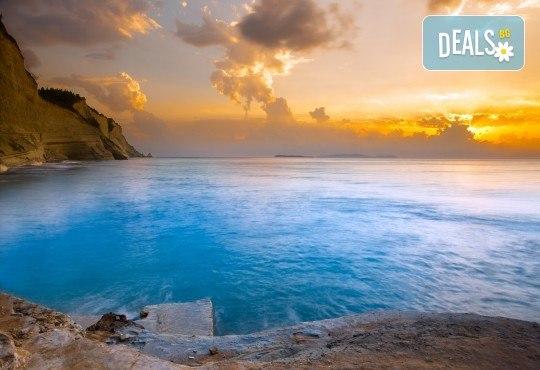 Мини почивка на остров Корфу, Гърция! 4 нощувки със закуски и вечери в хотел 3*, транспорт, билети за ферибот, пътни такси и водач от Далла Турс! - Снимка 4