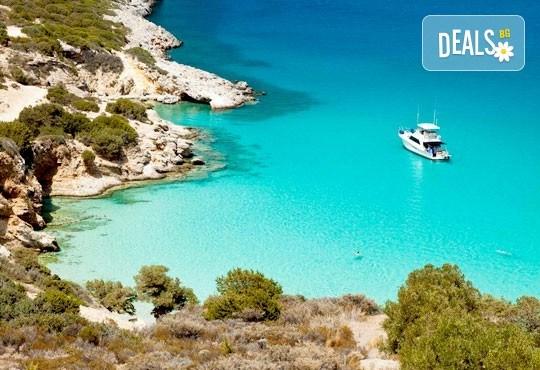 Мини почивка на остров Корфу, Гърция! 4 нощувки със закуски и вечери в хотел 3*, транспорт, билети за ферибот, пътни такси и водач от Далла Турс! - Снимка 1