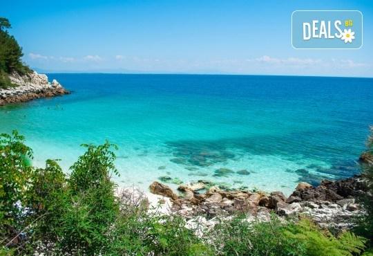 Мини почивка на о. Тасос, септември: 3 нощувки и закуски, транспорт и водач