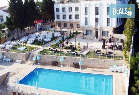 Почивка през лятото в Силиври, Турция! 3 нощувки със закуски и вечери в Hotel Selimpaşa Konağı 5*, ползване на турска баня и сауна, възможност за посещение на Истанбул! - Снимка 1