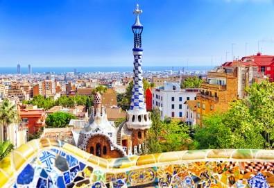 Барселона, Милано и перлите на Френската ривиера през октомври! Самолетни билети, 5 нощувки със закуски, водач и туристически обиколки в Милано, Кан и Сен Тропе! - Снимка