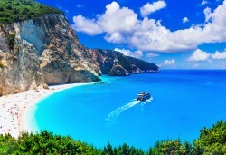 Парти екскурзия до остров Лефкада в Гърция! 3 нощувки със закуски или закуски и вечери, транспорт, водач и възможност за парти круиз с DJ! - Снимка