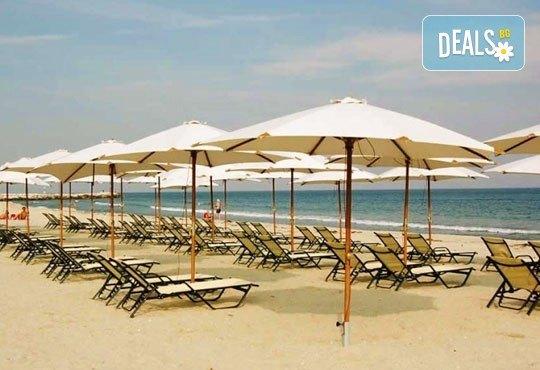 Почивка през юли или август в Hotel Orea Eleni 3*, Паралия Катерини, Гърция! 5 нощувки със закуски, транспорт и включена застраховка! - Снимка 1