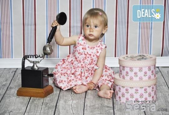 Красиви мигове! Студийна фотосесия за дете или цялото семейство и подарък: фотокнига от Photosesia.com! - Снимка 6