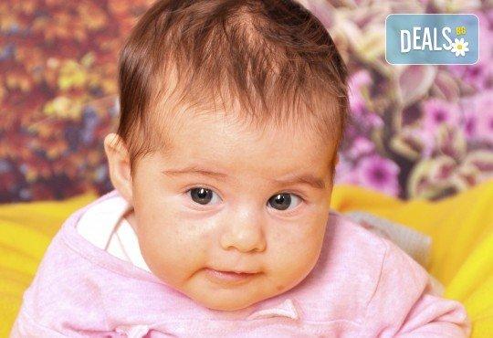 Красиви мигове! Студийна фотосесия за дете или цялото семейство и подарък: фотокнига от Photosesia.com! - Снимка 2