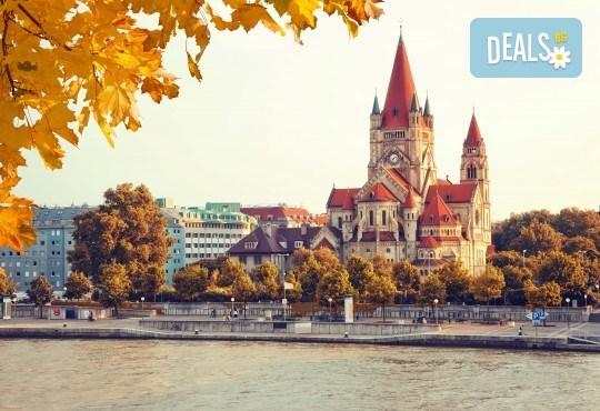 Септемврийски празници във Виена и Будапеща: 3 нощувки, закуски, транспорт и екскурзовод