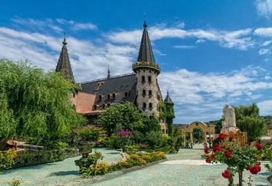 Магическа приказка край Созопол! Вход за замъка в Равадиново и 15 минути езда на расов кон! - Снимка