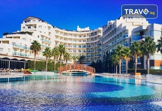 Почивка в Sea Light Resort Hotel 5*, Кушадасъ, Турция! 5 или 7 нощувки на база 24 ч. Ultra All Incl., безплатно за дете до 13 г., възможност за транспорт! - Снимка 1