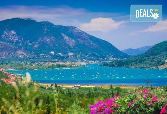 Мини почивка на приказния остров Лефкада, Гърция, през август! 3 нощувки със закуски, транспорт и посещение на плажа Агиос Йоаннис с вятърните мелници! - Снимка 1