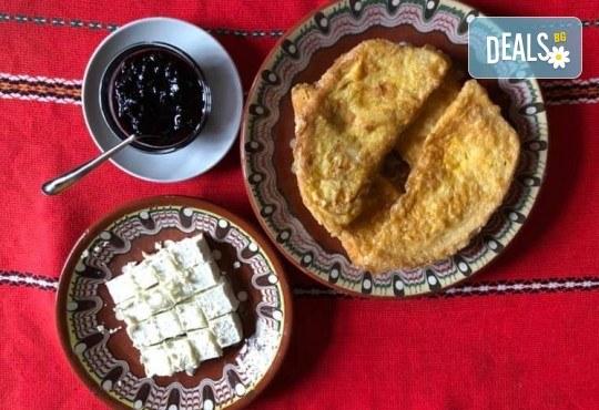 Почивка в Добринище! 1 нощувка със закуска в къща за гости Андрееви, отстъпка за ползване на минерален басейн - Снимка 18