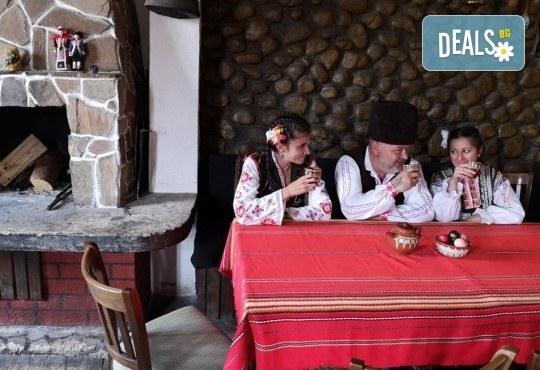 Почивка в Добринище! 1 нощувка със закуска в къща за гости Андрееви, отстъпка за ползване на минерален басейн - Снимка 19