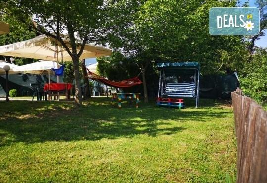 Почивка в Добринище! 1 нощувка със закуска в къща за гости Андрееви, отстъпка за ползване на минерален басейн - Снимка 22
