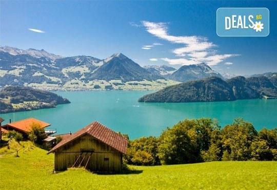 Екскурзия Чудесата на Швейцария през август! 4 нощувки със закуски, транспорт, екскурзовод, посещение на Женева, Берн, Цюрих, Монтрьо, Залцбург и Вадуц! - Снимка 2