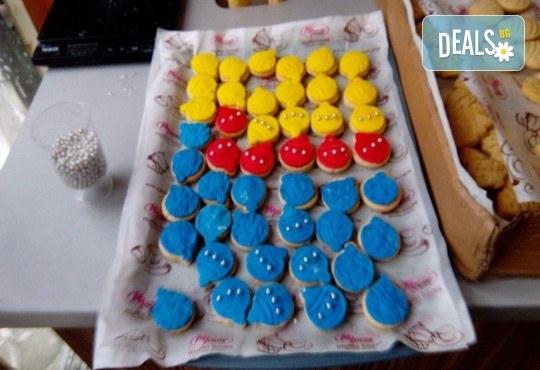 За децата! Сладък сет Детско партис 80 сладки асорти: цветенца, пеперуди или колички, шоколадови топки, мъфини, еклери с крем за детски рожден ден от Muffin House! - Снимка 6