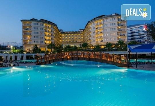 Късно лято в Алания, Турция, с BELPREGO Travel! Mukarnas Resort And Spa Hotel 5*, 7 нощувки на база Ultra All Inclusive, възможност за организиран транспорт! - Снимка 2