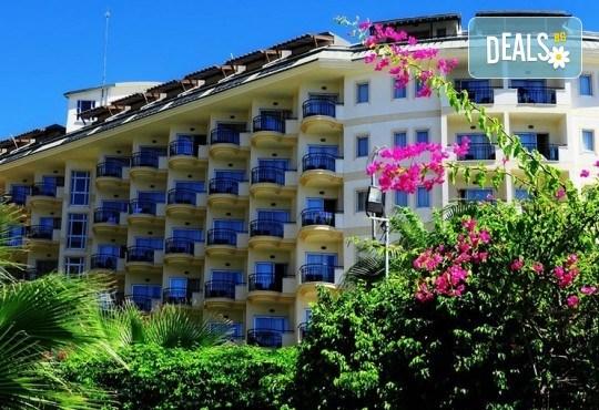 Късно лято в Алания, Турция, с BELPREGO Travel! Mukarnas Resort And Spa Hotel 5*, 7 нощувки на база Ultra All Inclusive, възможност за организиран транспорт! - Снимка 1