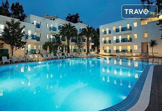 Почивка в Le Bleu Hotel & Resort 5*, Кушадасъ, с Глобус Холидейс! 5 или 7 нощувки на база Ultra All Inclusive, възможност за транспорт! - Снимка 1