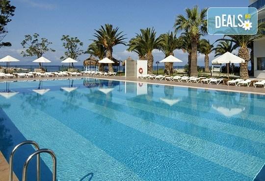 Почивка в Le Bleu Hotel & Resort 5*, Кушадасъ, с Глобус Холидейс! 5 или 7 нощувки на база Ultra All Inclusive, възможност за транспорт! - Снимка 3