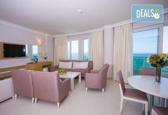 Изпратете лятото с почивка в луксозния Dragut Point South Hotel 4* в Тургутрейс! 5 или 7 нощувки на база All Inclusive, безплатно за дете до 12г. - Снимка 5