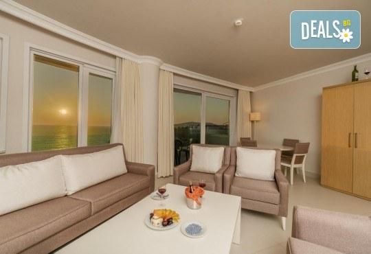 Изпратете лятото с почивка в луксозния Dragut Point South Hotel 4* в Тургутрейс! 5 или 7 нощувки на база All Inclusive, безплатно за дете до 12г. - Снимка 4