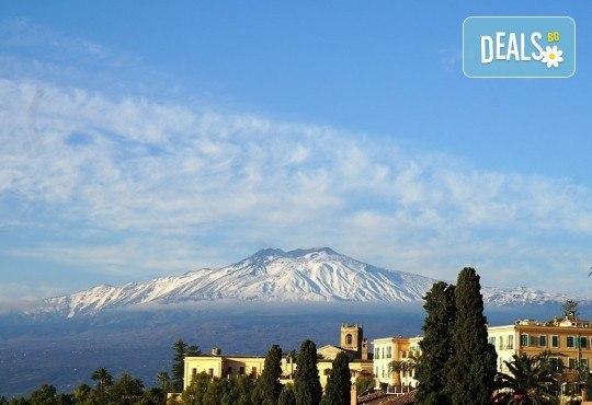 Самолетна екскурзия до Сицилия през есента! 4 нощувки, закуски и вечери с напитки, самолетни билети, летищни такси, водач и възможност за тур до Етна, Палермо и Агридженто - Снимка 12