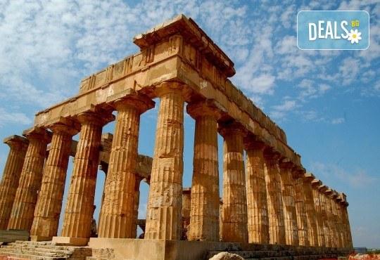 Самолетна екскурзия до Сицилия през есента! 4 нощувки, закуски и вечери с напитки, самолетни билети, летищни такси, водач и възможност за тур до Етна, Палермо и Агридженто - Снимка 7