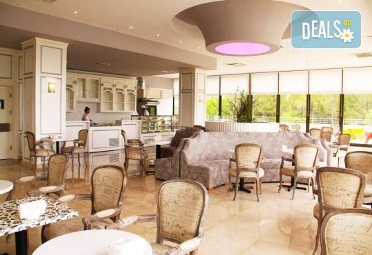 Почивка през октомври в хотел Amara Sealight Elite 5*! 4, 5 или 7 нощувки на база 24 Н Ultra All Inclusive, безплатно за дете до 12.99г. - Снимка 8