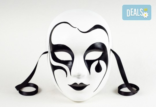 Еднодневен уъркшоп по изрисуване на венецианска маска в Ателие Цветна магия с включени материали + чаша вино или бира! - Снимка 3