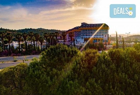 Почивка в Throne Beach Resort & SPA 5*, Сиде! 7 нощувки на база All Inclusive, ползване на басейни и СПА център, фитнес, шезлонг и чадър - Снимка 14