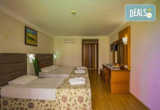 Почивка в Throne Beach Resort & SPA 5*, Сиде! 7 нощувки на база All Inclusive, ползване на басейни и СПА център, фитнес, шезлонг и чадър - Снимка 3