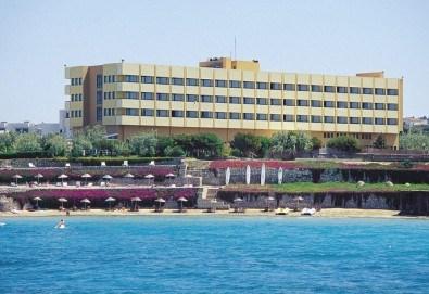 Гореща лятна почивка в Hotel Babaylon 4*, Чешме, Турция! 7 нощувки на база All Inclusive, транспорт и водач от Травел мания - Снимка