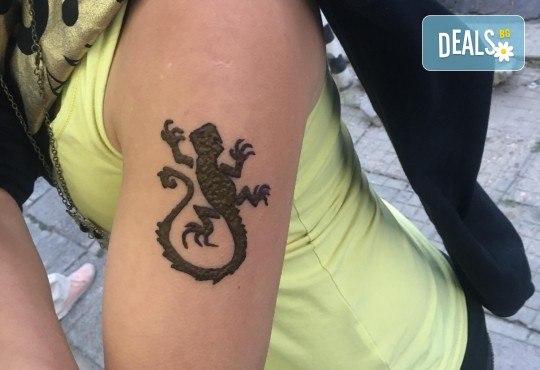 Искате ли да си направите собствена татуировка? Еднодневен уъркшоп за направа на временна татуировка с къна в ателие Цветна магия! - Снимка 5