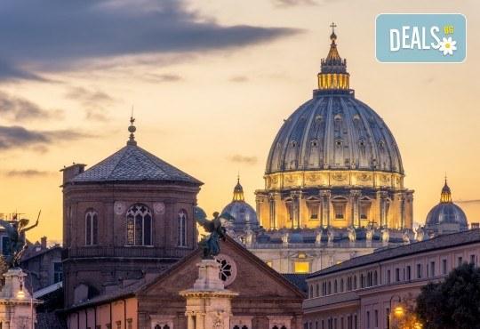 Уикенд в Рим през есента с Лале Тур! Самолетен билет с летищни такси, 3 нощувки със закуски в хотел 3*, индивидуално пътуване - Снимка 6