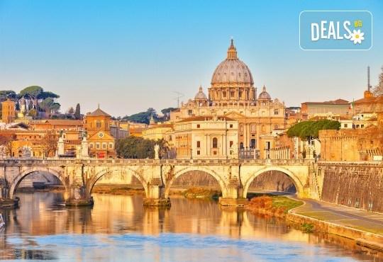 Уикенд в Рим през есента с Лале Тур! Самолетен билет с летищни такси, 3 нощувки със закуски в хотел 3*, индивидуално пътуване - Снимка 2