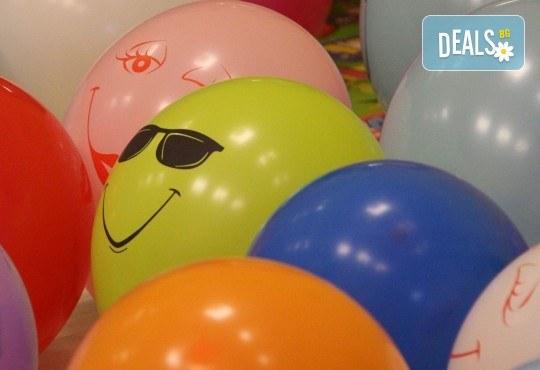 Детски рожден ден! Наем на зала 2 часа за парти, детски рожден ден с украса, парти музика, зала за възрастни и топли напитки в Детски център Пух и Прасчо в широкия център на София - Снимка 7