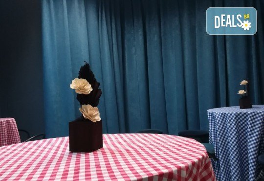 Детски рожден ден! Наем на зала 2 часа за парти, детски рожден ден с украса, парти музика, зала за възрастни и топли напитки в Детски център Пух и Прасчо в широкия център на София - Снимка 20