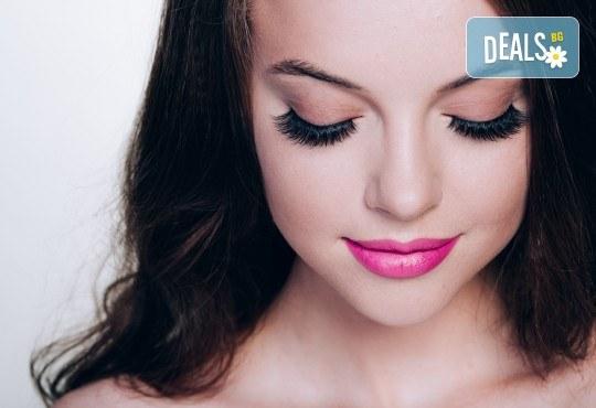 Красиви очи! Удължаване и сгъстяване на мигли по метода косъм по косъм в студио S Beauty! - Снимка 3