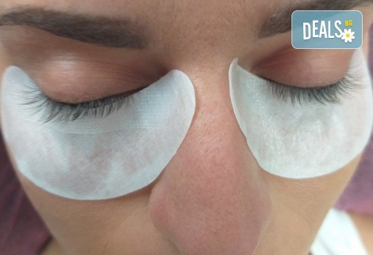 Красиви очи! Удължаване и сгъстяване на мигли по метода косъм по косъм в студио S Beauty! - Снимка 10