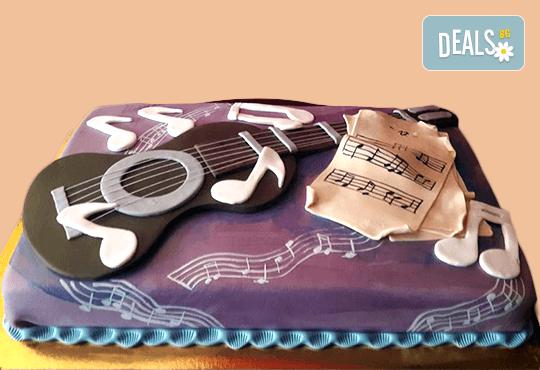 За музиканти! Торта за DJ, музиканти, певци, художници и артисти от Сладкарница Джорджо Джани - Снимка 1