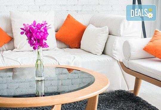 Пране на 6 седящи места на диван с професионални машини Karcher и препарати Sonax от фирма КИМИ - Снимка 3