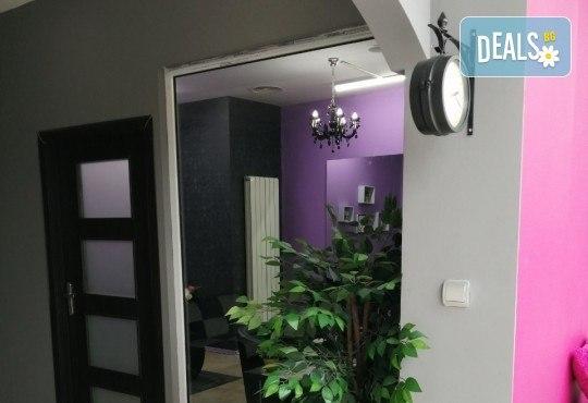 Педикюр с гел лак BlueSky, сваляне на стар гел лак по желание и 10% отстъпка при следващо посещение в салон Atelier Des Fleurs! - Снимка 7