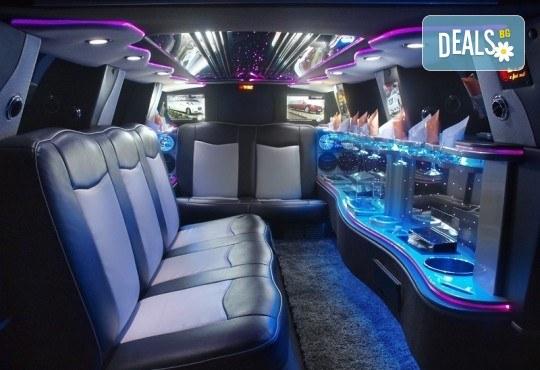 За моминско и ергенско парти! Луксозна холивудска лимузина Dodge Charger Interceptor SHERIFF с личен шофьор от San Diego Limousines - Снимка 6