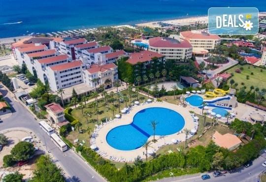 В края на лятото в Cesars Resort 5*, Сиде: 7 нощувки на база Ultra All Inclusive