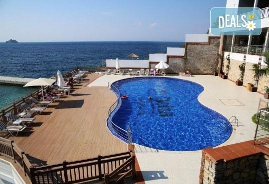Почивка през септември в хотел Delta Beach Resort 5*, Бодрум! 7 нощувки All Inclusive Plus, транспорт с автобус от София, Пловдив, Варна, Бургас - Снимка 16