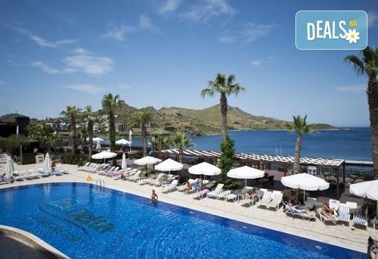 Почивка през септември в хотел Delta Beach Resort 5*, Бодрум! 7 нощувки All Inclusive Plus, транспорт с автобус от София, Пловдив, Варна, Бургас - Снимка 17