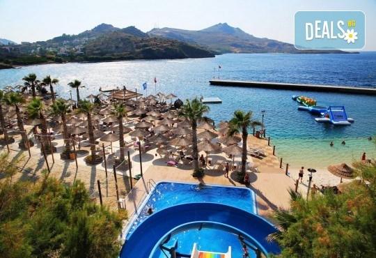 Почивка през септември в хотел Delta Beach Resort 5*, Бодрум! 7 нощувки All Inclusive Plus, транспорт с автобус от София, Пловдив, Варна, Бургас - Снимка 2