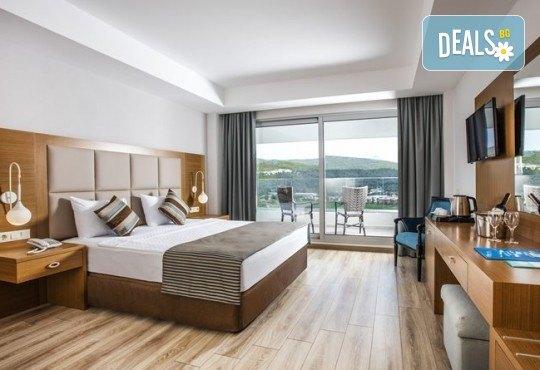 Почивка през септември и октомври в Palm Wings Ephesus Beach Resort & SPA 5*, Кушадасъ! 7 нощувки Ultra All Inclusive, транспорт с автобус - Снимка 5