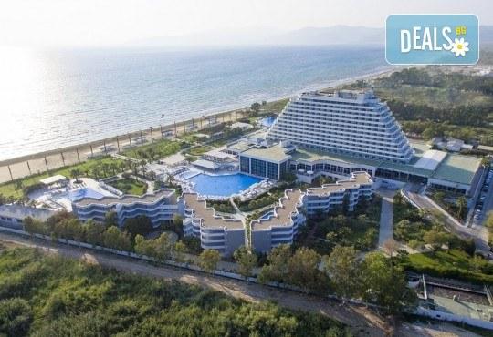 Почивка през септември и октомври в Palm Wings Ephesus Beach Resort & SPA 5*, Кушадасъ! 7 нощувки Ultra All Inclusive, транспорт с автобус - Снимка 2