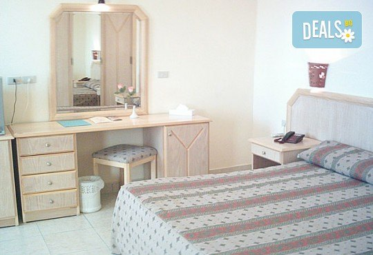 Почивка през септември и октомври в Шарм Ел Шейх, Египет, с Караджъ Турс! 7 нощувки на база All inclusive в Sharm Cliff Resort 4*, самолетен билет и багаж, трансфери - Снимка 3