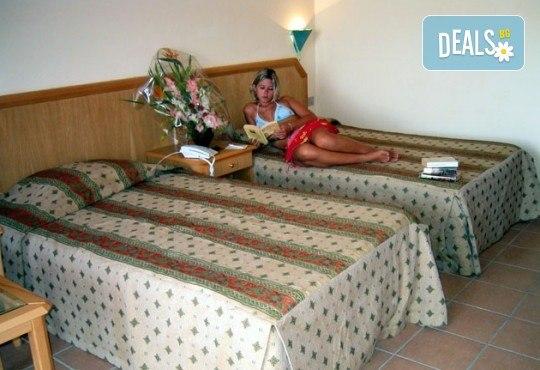 Почивка през септември и октомври в Шарм Ел Шейх, Египет, с Караджъ Турс! 7 нощувки на база All inclusive в Sharm Cliff Resort 4*, самолетен билет и багаж, трансфери - Снимка 4